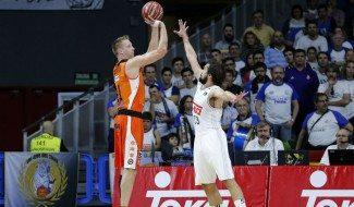 El Madrid sigue acusando el cansancio. Arranca la ACB con derrota ante el Valencia