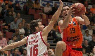El Valencia barre al CAI en la Eurocup y el Bilbao se estrena en Bonn con un gran inicio
