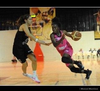CREF se estrena en Liga Femenina ante su afición con una ajustada derrota ante el Conquero de Huelva
