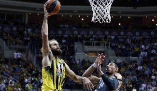 El Real Madrid cae ante el Fenerbahçe (77-66) tras 40 minutos a rebufo