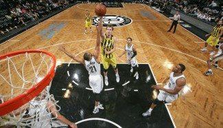 Vesely, clave en el triunfo del Fenerbahçe ante los Nets. Hace un alley-oop y matazo (Vídeo)