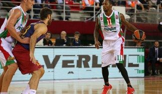 El Karsiyaka le hace al Barça el contraataque perfecto. Justin Carter la hunde con ¡1.93 m.!