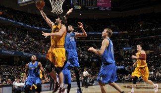 """Mejri ya intimida en la NBA. Mira qué taponazo a Mozgov. Carlisle: """"No es un rookie al uso"""" (Vídeo)"""