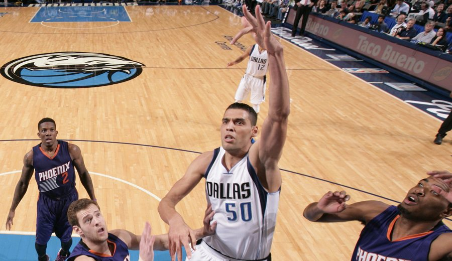 Mejri, primer tunecino en jugar en la NBA. Dos minutos en Phoenix para la historia