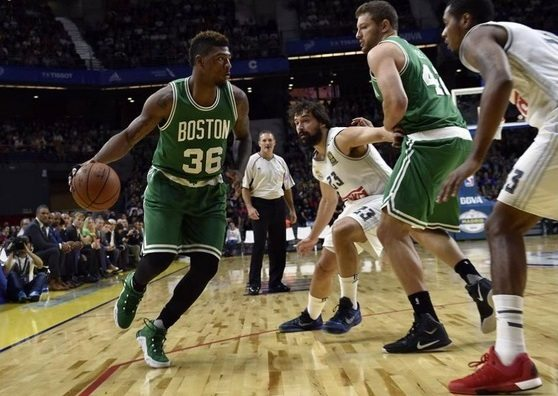 Dos 'mirlos' blancos juegan contra Boston