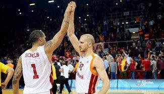 El Galatasaray se lleva el derbi ante el Fenerbahçe. Obradovic, gafado contra ellos