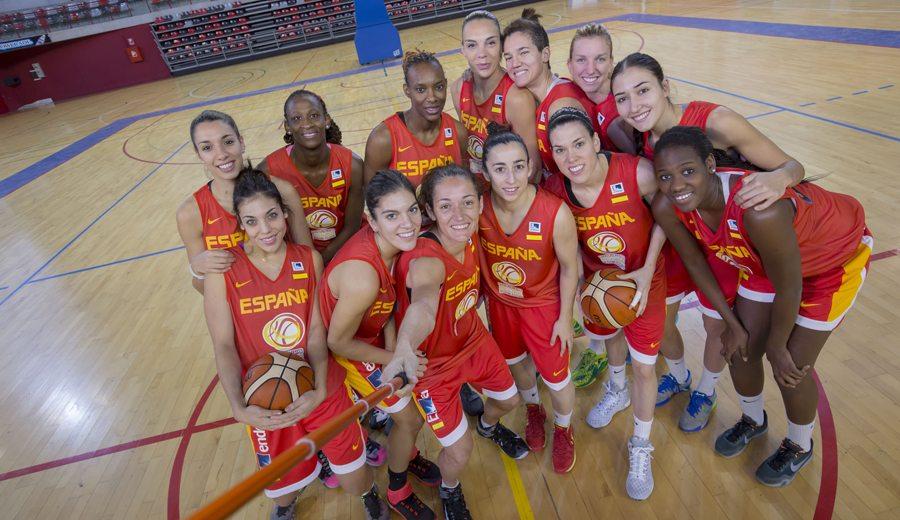 Las WNBA Cruz y Lyttle lanzan a la Selección a la primera victoria del Preeuropeo en Suecia