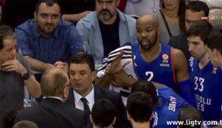 Ivkovic excusa en rueda de prensa su bronca a Tyus por una mala defensa (Vídeo)