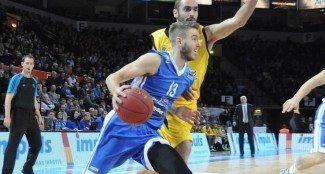¿Un tirador con más triples que Curry? Se llama Travis Bader, juega en Lituania, ¡Alucina! (Vídeo)