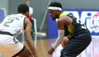 Arrodillando rivales: Bobby Dixon rompe los tobillos al ex NBA Nate Walters (Vídeo)