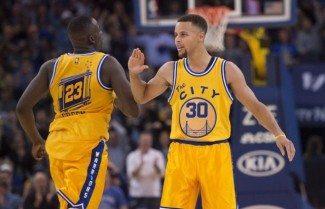 Curry y los Warriors, a toda vela: 37 a los Raptors y 12ª victoria seguida (Vídeo)