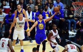El (pen)último recital de Curry: 40 para remontar 23 puntos a los Clippers (Vídeo)