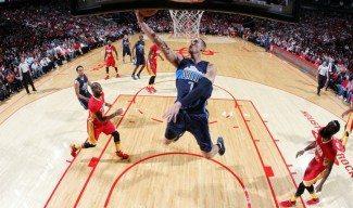 Los Mavericks asaltan Houston (98-110) pese a jugar sin su Big Three de estrellas (Vídeo)