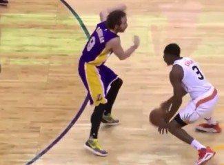 Brandon Knight, con un triple-doble, se sale ante los Lakers. Los tobillos de Marcelinho, en peligro (Vídeo)