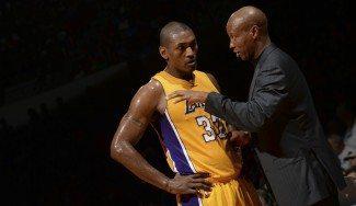 Byron Scott aún no piensa en Metta, inactivo, para solucionar los problemas defensivos de los Lakers
