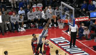 El tiki-taka de los Pistons, LeBron de quarterback, Whiteside… El Top 10 de la noche NBA (Vídeo)