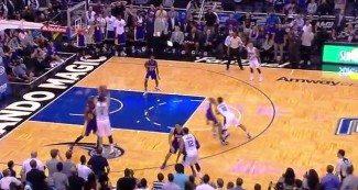 Del cielo al infierno. Anulan la canasta ganadora a Lakers y Vucevic sentencia sobre la bocina (Vídeo)