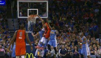 Westbrook vuela sobre Gallinari y Mudiay para la jugada de la noche. Top10 NBA dominical