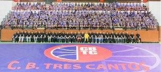 Tiempo de presentaciones. El CB. Tres Cantos reúne a sus 600 deportistas para la foto oficial