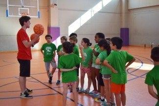 Baloncesto y Navidad. Una mezcla que la federación valenciana quiere convertir en éxito