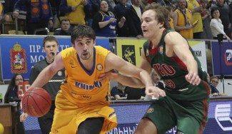 El Khimki gana al Lokomotiv tras 2 prórrogas. Shved marea a Delaney… ¡y triplazo! (Vídeos)
