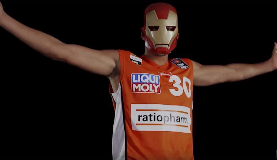¿Capitán América y Iron Man? Los cómics de la Marvel toman el All-Star alemán (Vídeos)