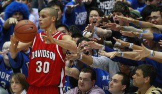 Curry tendrá que empollar: su universidad no le retirará la camiseta si no se gradúa