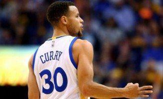El histórico comienzo de los Warriors, por Curry. ¡Sus 125 triples en el 24-0! (Vídeo)