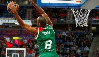 Paliza del Baskonia al Limoges y billete para el Top 16. Ojo al alley-oop de Hanga (Vídeo)