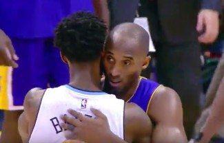 Kobe le enseña el camino a Barton en Denver: 31 puntos para el quinto triunfo (Video)