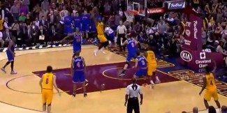 Porzingis, el mejor de los Knicks, no se atreve con LeBron. El 'rey' sentencia con este mate