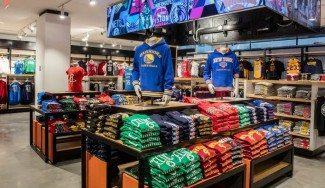 A punto para Navidad: este lunes inauguran la nueva NBA Store de Nueva York (Fotos)