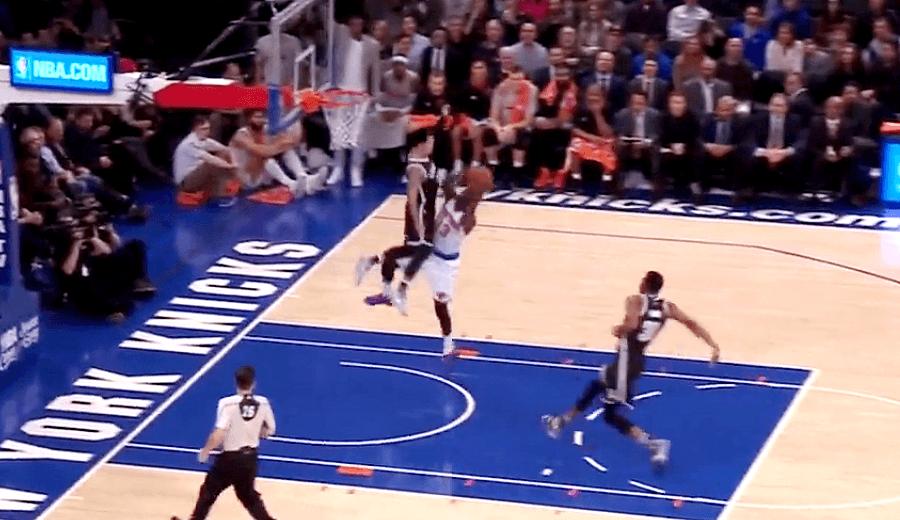 Intimidar en la NBA midiendo 1.80 m: taponazo de Shane Larkin, base de los Nets (Vídeo)
