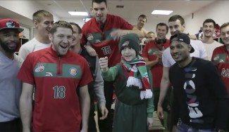 Un día inolvidable. El Lokomotiv sorprende a su mejor fan, un niño de 8 años (Vídeo)