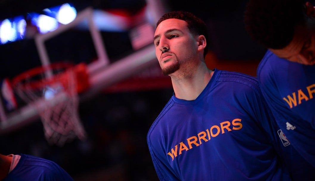 Klay Thompson acribilla con 36 puntos a unos Lakers sin Kobe. Curry, dosificado (Vídeo)