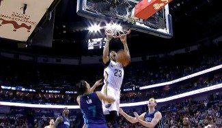 Alley-oop de Anthony Davis para ganar a los Hornets, con Lin y Zeller en el póster (Vídeo)