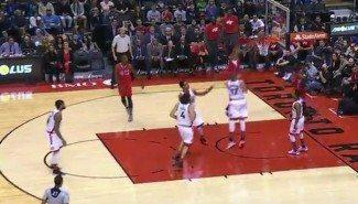 Los Clippers caen en Toronto. DeAndre falla un mate y Biyombo posteriza a Aldrich (Vídeo)