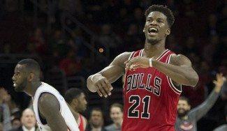 Los Bulls necesitan prórroga y 53 puntos de Butler para ganar en Philadelphia (Vídeo)
