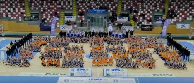 Vuelta al 'cole' de Leyma Basquet Coruña. Presentación de los 550 jugadores del club (Vídeo)
