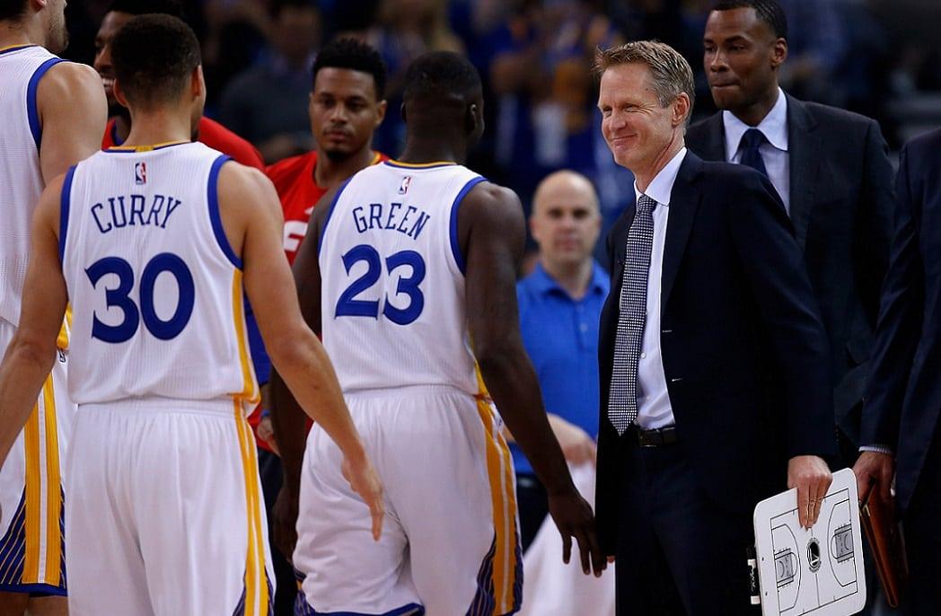 Regreso de Kerr, triple doble de Curry, 20-0 en casa… Sigue la fiesta en Oakland (Vídeo)