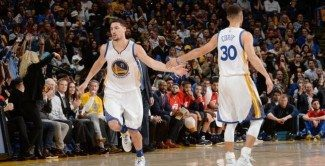 Los Warriors cantan las '40' en casa: Thompson da descanso a Curry con un recital
