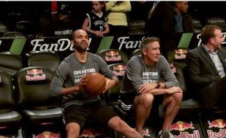 Los Spurs siguen divirtiéndose: Arrasan en Brooklyn. ¿Qué intenta Parker? (Vídeo)