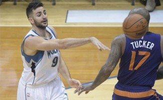 Los Wolves eclipsan a los Suns y ganan tras nueve derrotas. Ricky, anotador (Vídeo)