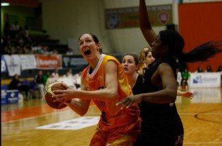 Liga Femenina: Las jugadoras del Conquero confirman su posible adiós tras otro triunfo