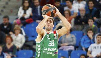 Corbacho vuelve a casa: firma 3 temporadas con el Obradoiro y le dedican este vídeo
