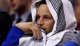 Los problemas no cesan en los Warriors: Curry se fractura la muñeca