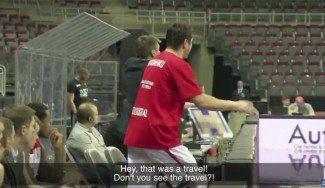 El dueño polémico, en su salsa: Gerasimenko insulta a los árbitros desde el banquillo (Vid)
