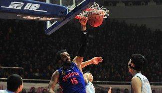 Haddadi se sale en China: el iraní ex NBA mete 38 puntos y baja 21 rebotes (Vídeo)