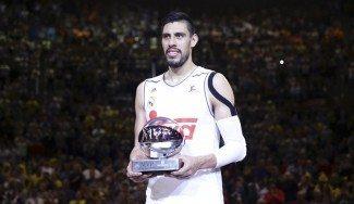 El MVP Ayón se quita méritos: «Lo importante es que todos sumamos para ganar» (Vídeo)