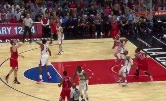 Conexión insuficiente: alley-oop Gasol-Butler pero paliza de los Clippers gracias a Crawford